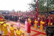 Lễ Hội Đền Mẫu Âu Cơ Ở Phú Thọ