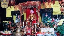 Tour Du Lịch Đền Ông Hoàng Mười – Đền Bà Triệu 2 Ngày 1 Đêm