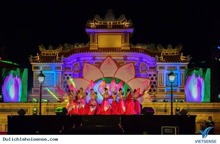 Du lịch Huế tham dự lễ hội sen