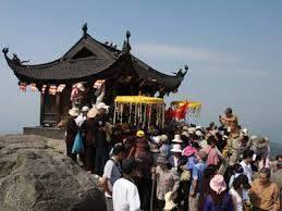 Tour Du Lịch Hà Nội - Chùa Ba Vàng - Yên Tử 1 Ngày